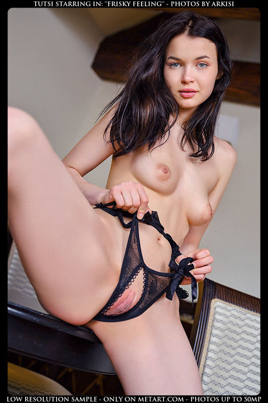 Want to see more of this gorgeous nude? Click here for more photos from Met Art.